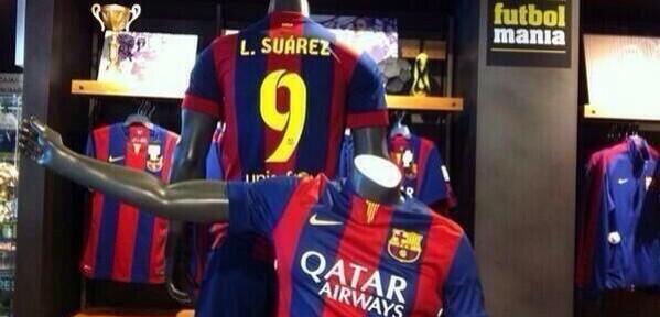 """ესპანეთში უკვე იყიდება """"ბარსელონას"""" ფორმა სუარესის გვარით"""