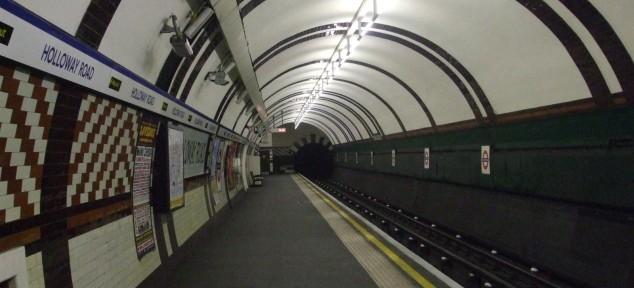 ვენგერის, ტერის და ბარტონის ხმები ლონდონის მეტროში