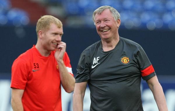 Sir-Alex-Ferguson-Paul-Scholes-Manchester-Uni_2589926