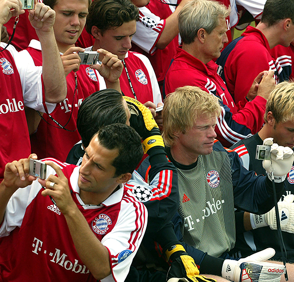 PLAYERS OF GERMAN FIRST DIVISION SOCCER CHAMPION BAYERN MUNICH TAKE PHOTOGRAPHS IN MUNICH.