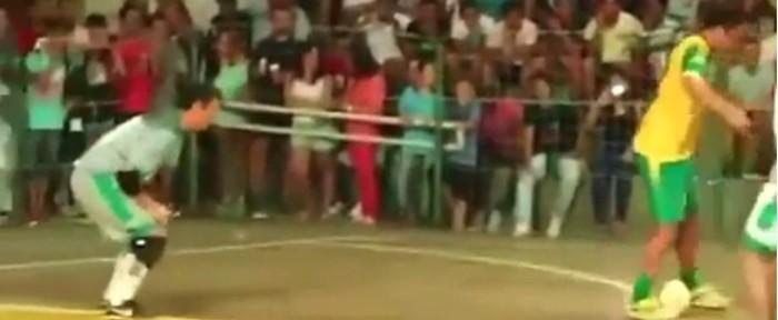 ფუტსალის ლეგენდამ მეტოქეს წარმოუდგენელი გოლი გაუტანა (ვიდეო)