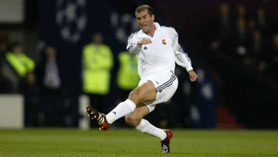 GLASGOW - May 15:  Zinedine Zidane of Real Madrid has a shot at goal during the UEFA Champions League Final between Real Madrid and Bayer Leverkusen played at Hampden Park, in Glasgow, Scotland on May 15, 2002. Real Madrid won the match and cup 2-1. DIGITAL IMAGE. (Photo by Phil Cole/Getty Images)