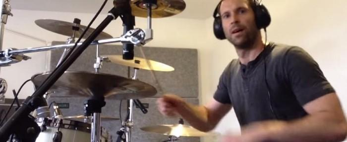 """პეტრ ჩეხმა """"ნირვანას"""" სიმღერის ქავერი ჩაწერა (ვიდეო)"""
