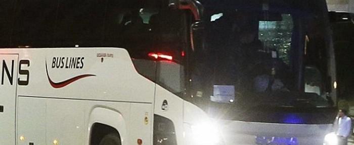 ალბანეთში სერბეთის ნაკრების ავტობუსს ქვები დაუშინეს (ვიდეო)