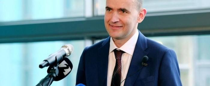 ისლანდიის პრეზიდენტმა VIP-ლოჟაზე უარი თქვა და ნაკრებს ტრიბუნიდან უქომაგებს
