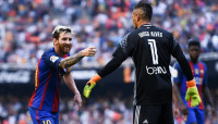 Lionel Messi - Diego Alves