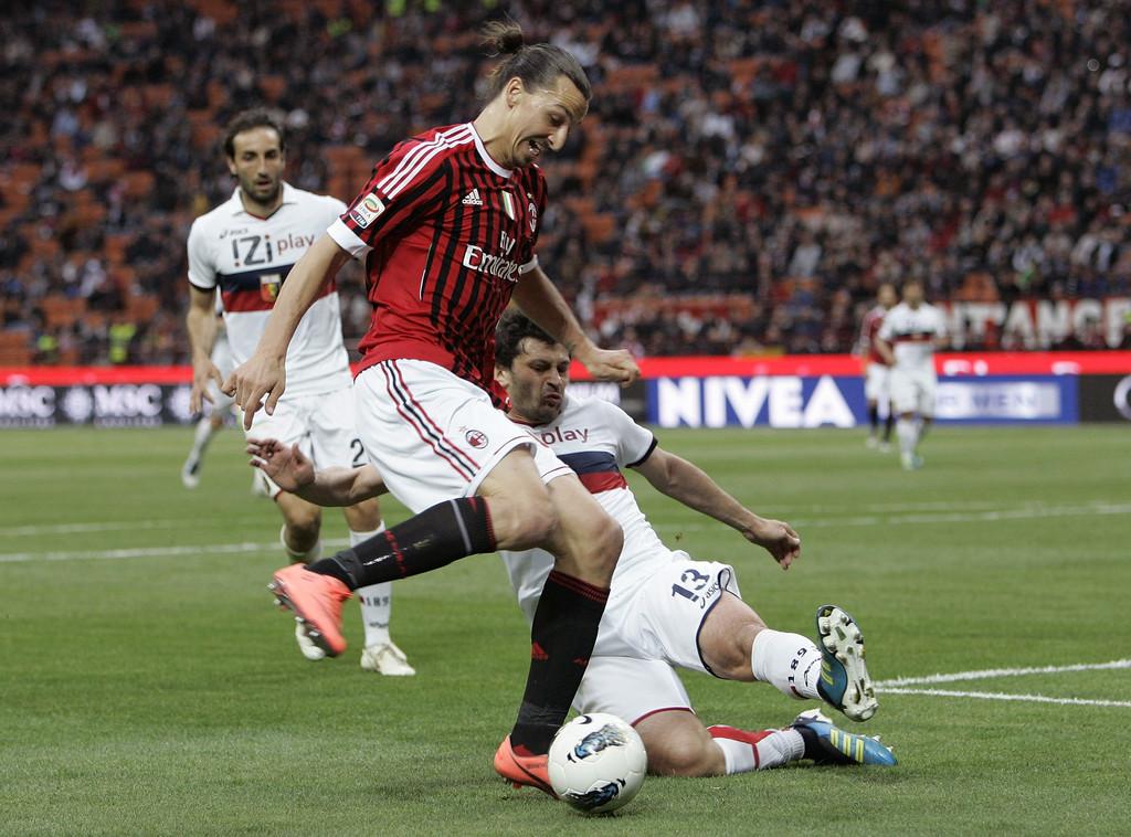 AC+Milan+v+Genoa+CFC+Serie+A+X4UA-N_j_4ox