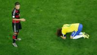 Mesut Ozil - David Luiz