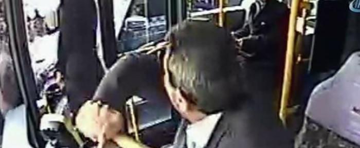 ბურაქ ილმაზი ავტობუსის მძღოლს ეჩხუბა (ვიდეო)