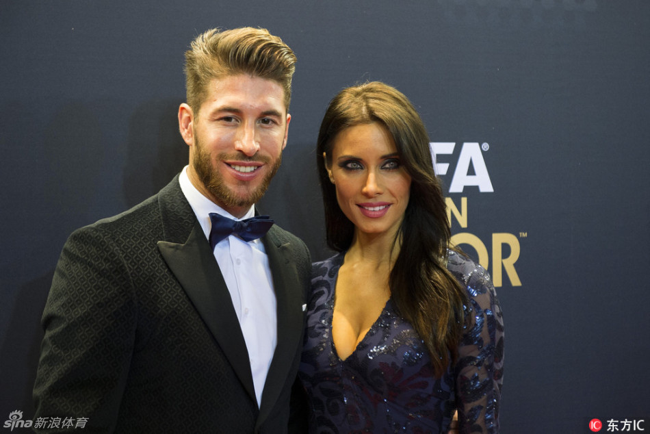 epa04557599 Spanish defender Sergio Ramos (L) and his girlfriend Pilar Rubio Fernandez (R) arrive on the red carpet prior to the FIFA Ballon d'Or 2014 gala held at the Kongresshaus in Zurich, Switzerland, 12 January 2015.  EPA/ENNIO LEANZA